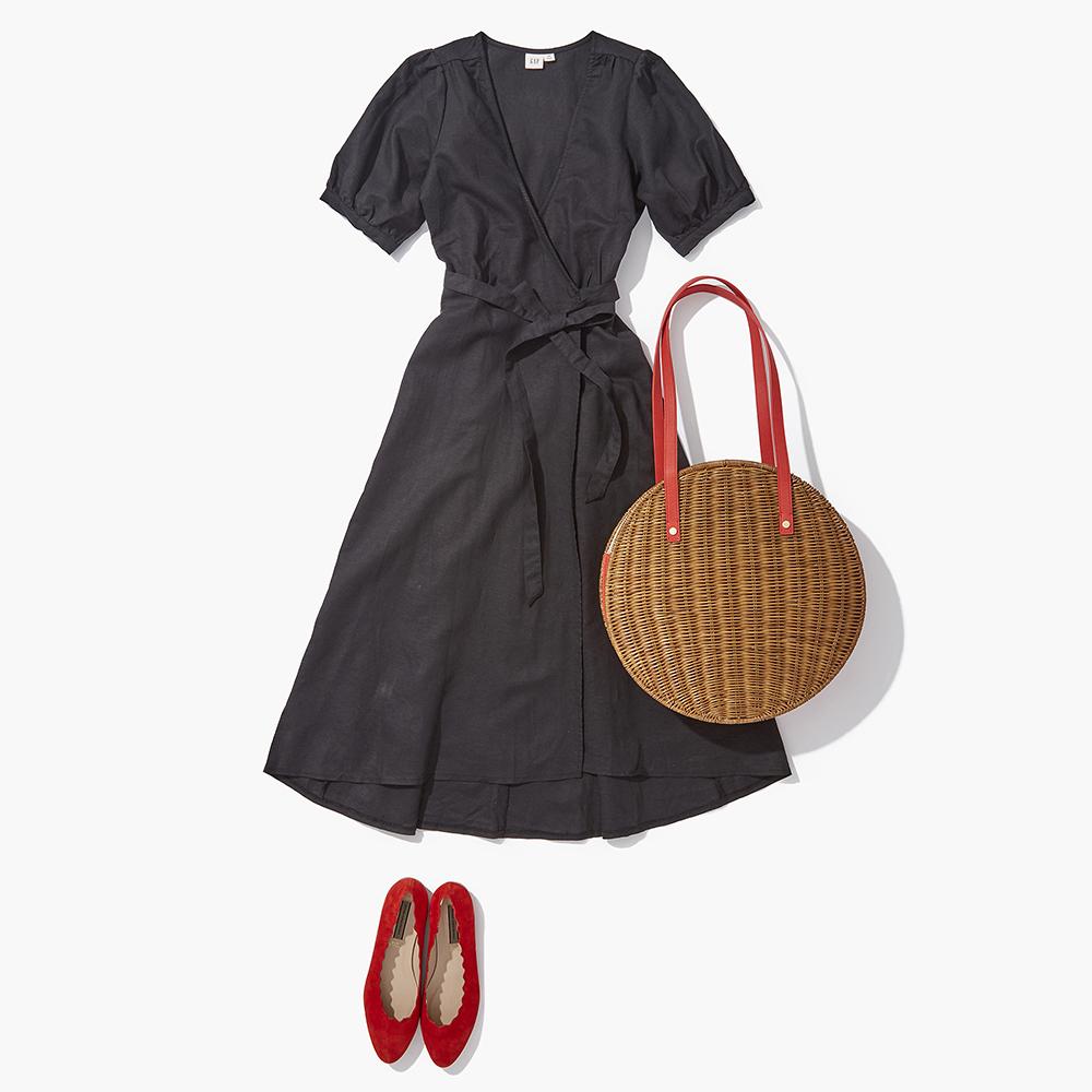 春夏の常備服・LBDも【赤小物】でドレスアップ