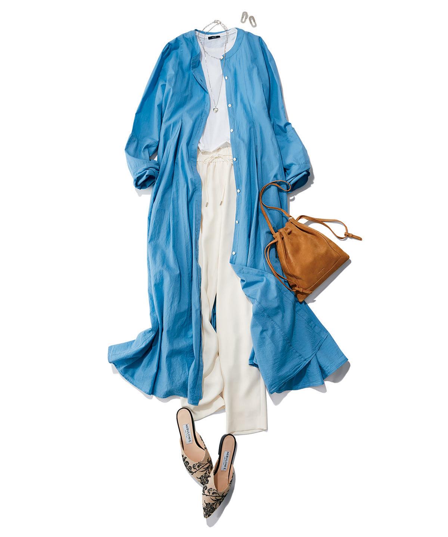 肩肘張らないイージーなデザインは柔和なブルーで華やぎ感を上乗せ
