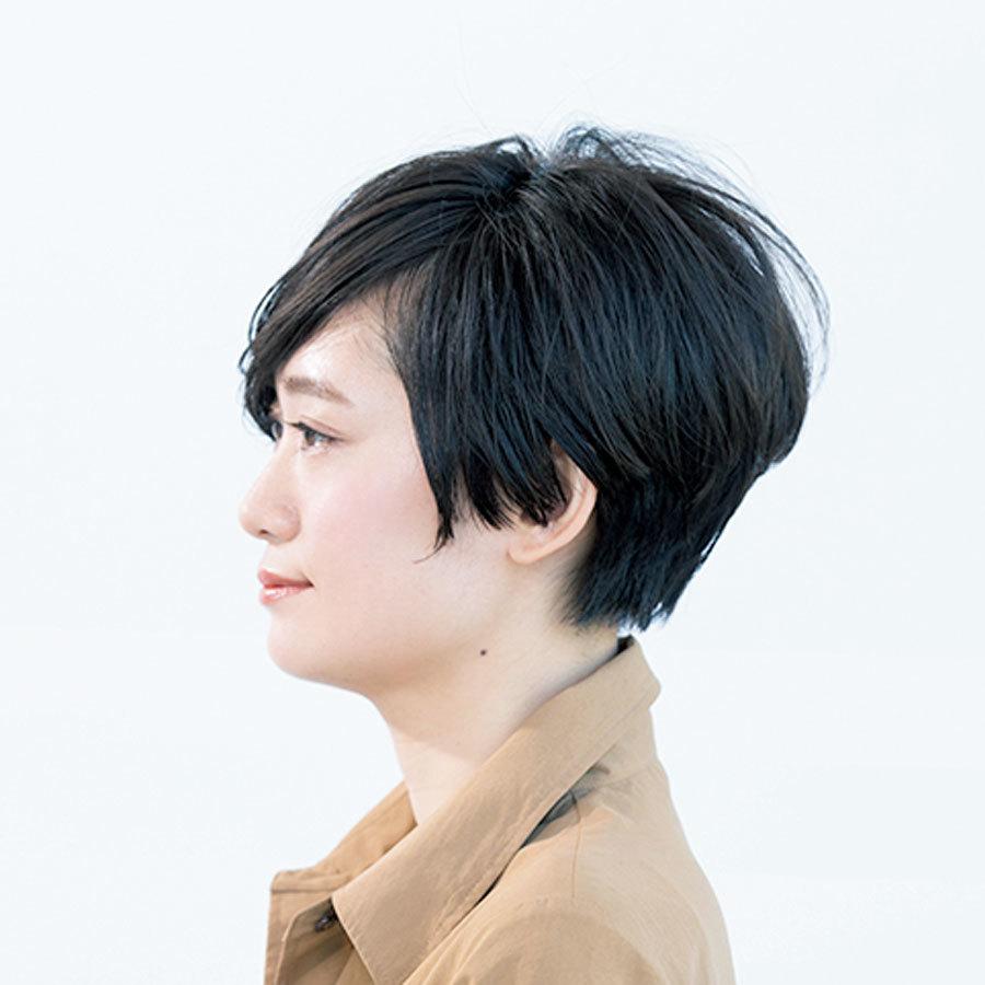 長めの前髪で顔をシャープに!モードも女らしさも楽しめるアレンジショート【40代のショートヘア】_1_1-2