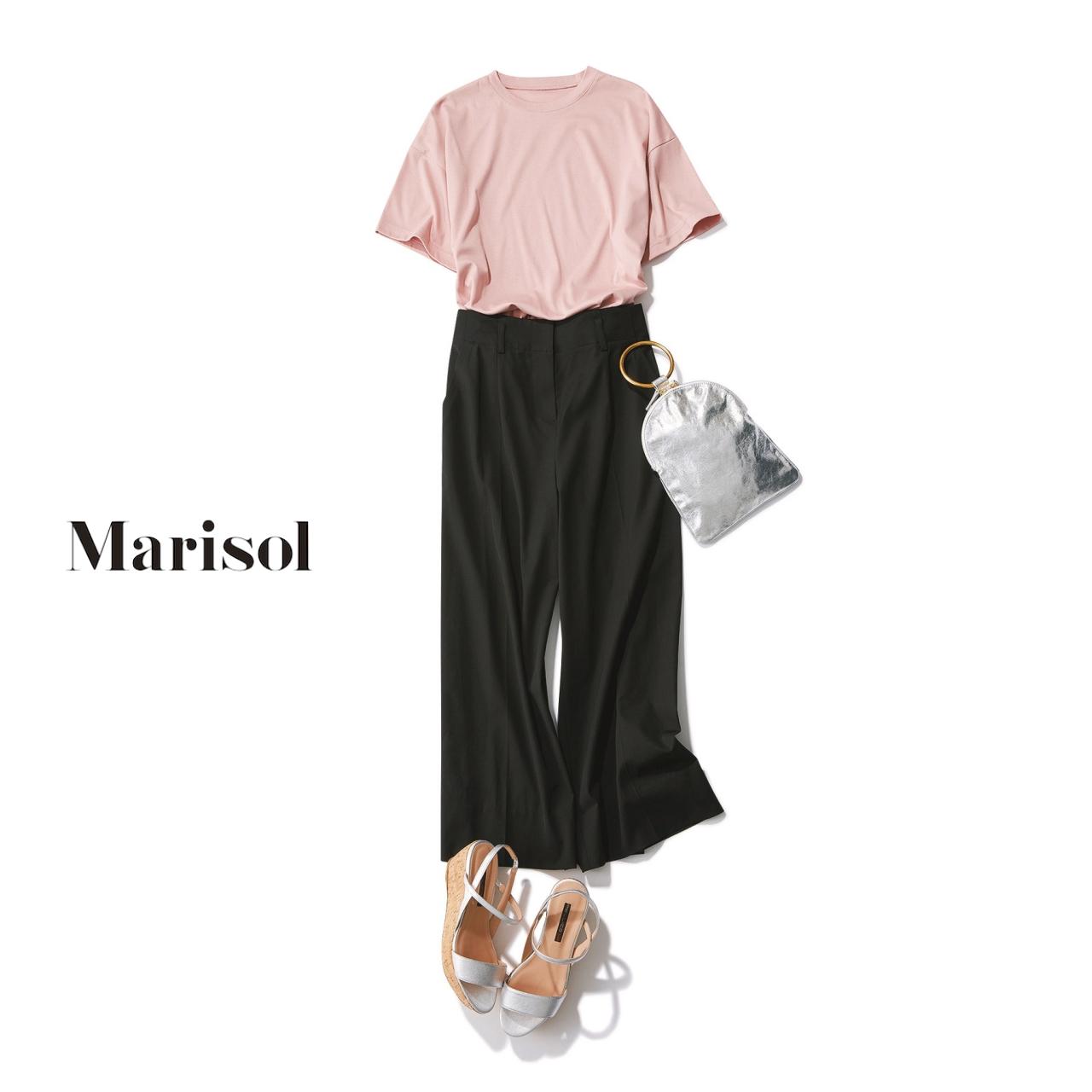 ピンクTシャツ×きれいめパンツでカジュアルコーデ