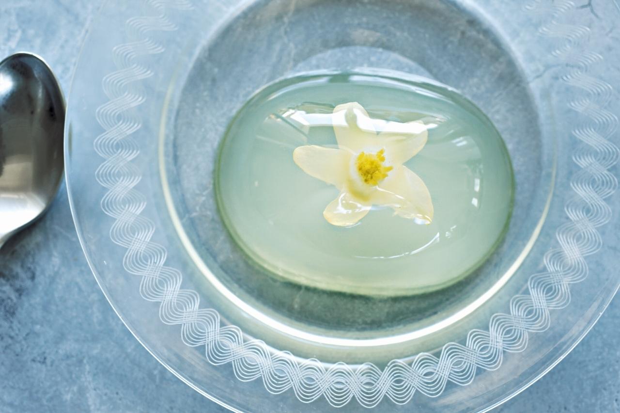 柚子果汁のさわやかさがストレートに伝わる 池田柚華園「さくはなのふるふるゼリー」_1_1