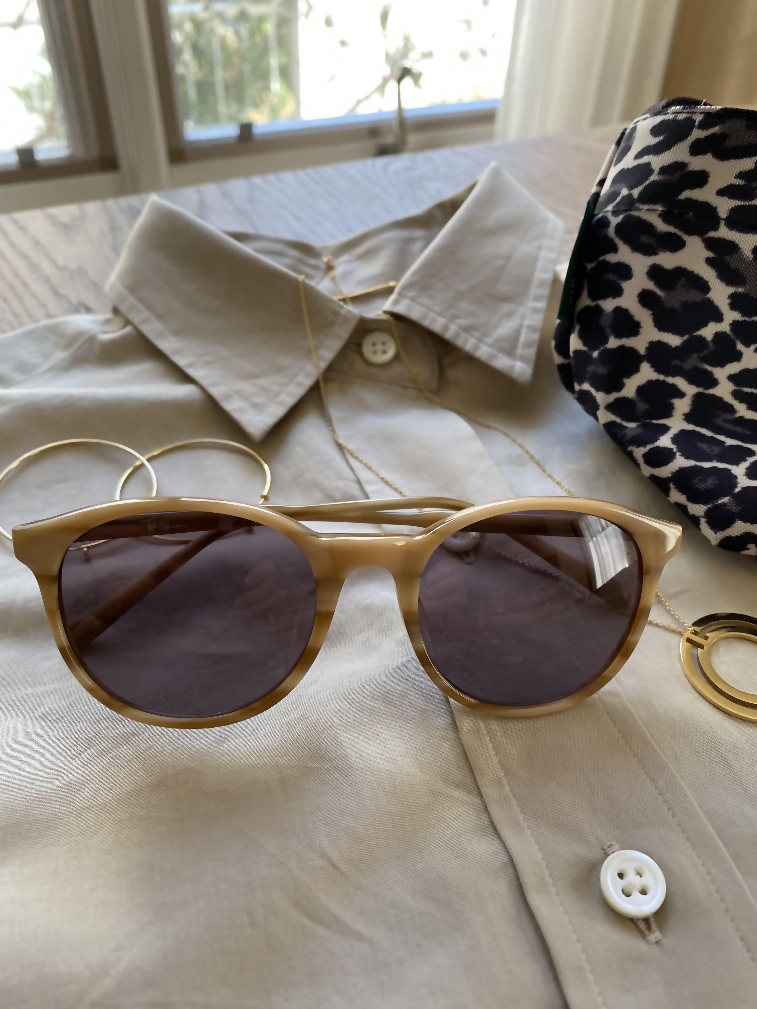 初夏の日差しにサングラスと帽子_1_1