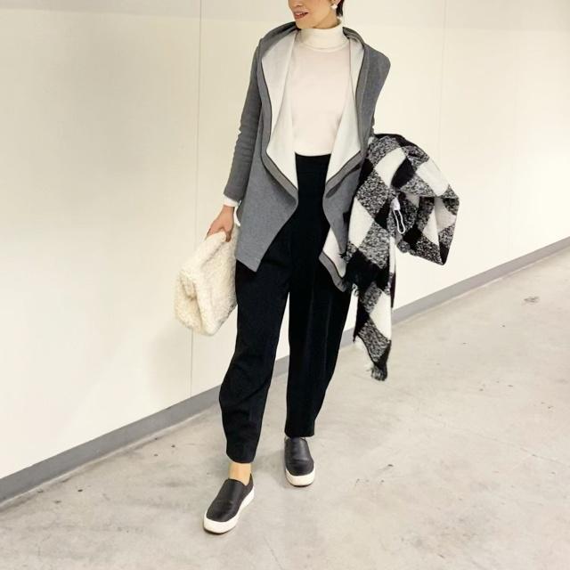 Outer: doclasse /Knit: uniqlo /Pants: zara /Stole: uniqlo Bag: cos /Shoes: h&m