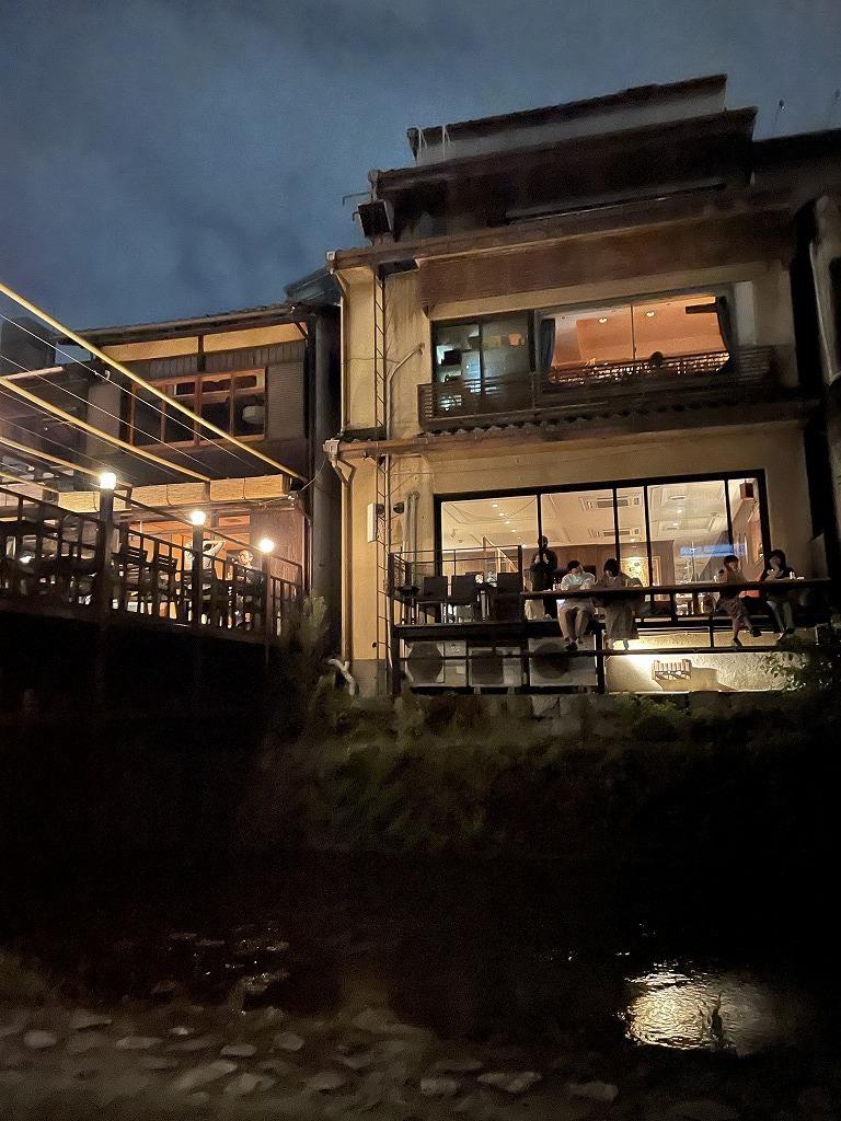 涼しくなってきた川床で京料理を楽しむ_1_4-2