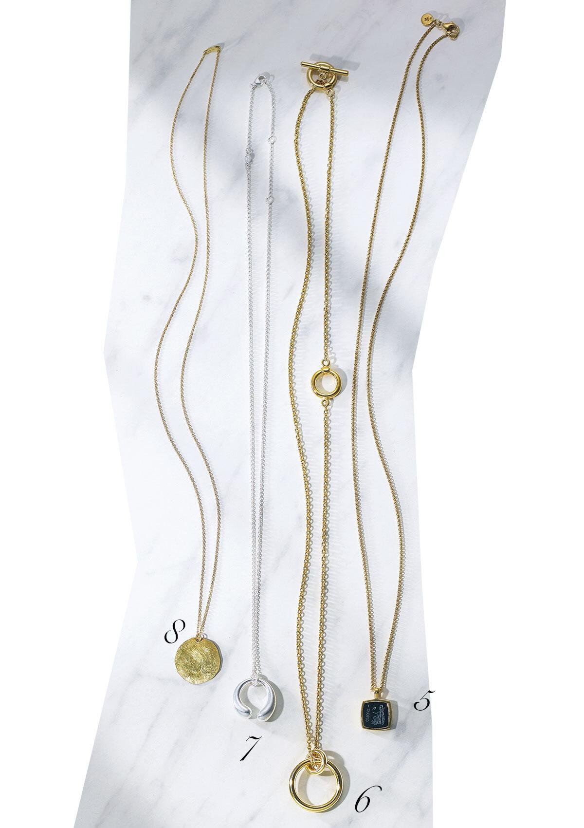 ネックレス(SV925×Plated 9K Gold×Black Onyx、36.5㎝)¥78,100/トムウッド プロジェクト(トムウッド)、ネックレス(真鍮、60㎝)¥20,900/シジェーム ギンザ(グリン)、ネックレス(スターリングシルバー、60㎝)¥29,700/ジョージ ジェンセン ジャパン(ジョージ ジェンセン)、ネックレス(K18YG、60㎝)¥115,500/ホワイトオフィス(ジジ)