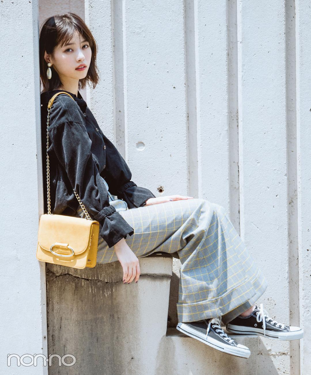 【ウィンドーペンチェックコーデ】西野七瀬は、マニッシュなグレンチェックパンツスタイルにラフな空気感を添える