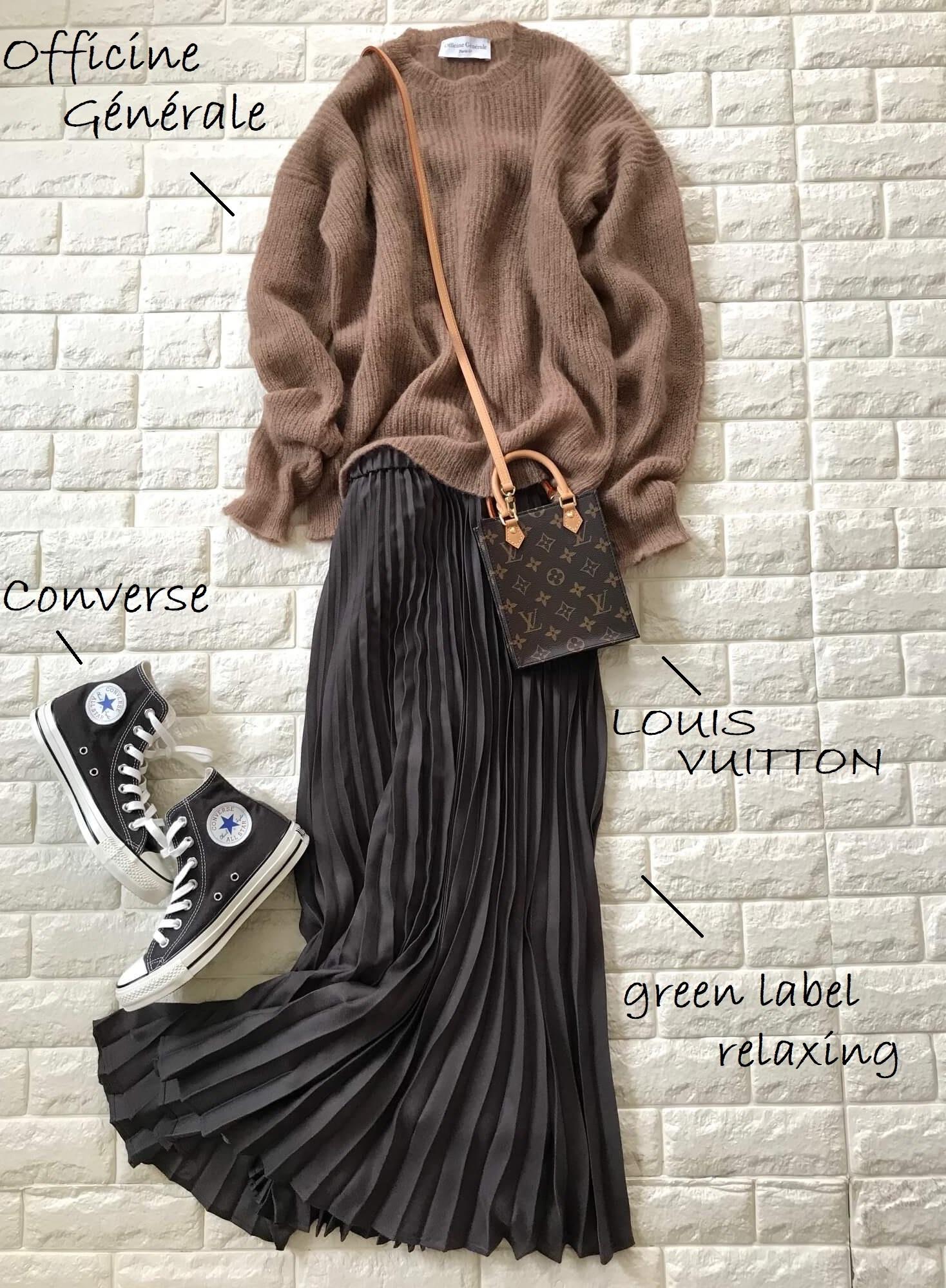 ブラウンニット×プリーツスカートのワントーンコーデ