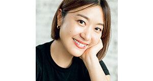 <p><b>ヘア&メイクアップアーティスト ・中山友恵さん</b><br>女性誌やCMなど多数のメディアでひっぱりだこ。抜け感のあるおしゃれメイクは本誌でも大人気。女優、タレント、モデルからの支持も厚い</p>