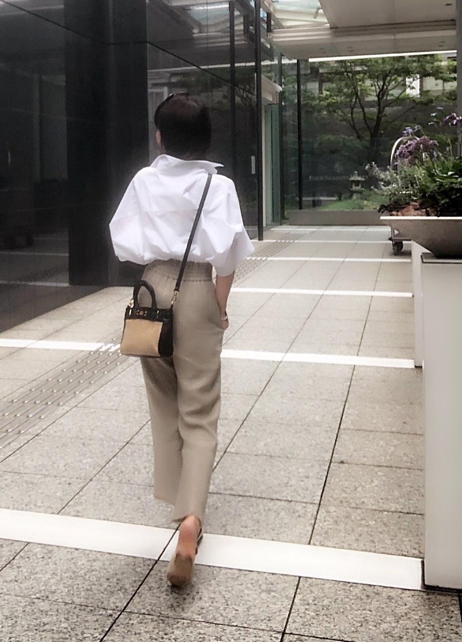 プラージュの白シャツの着こなし_1_4
