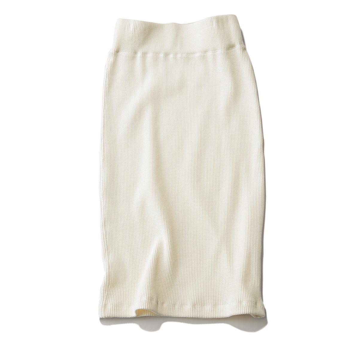 おしゃれプロが買ったキレイ色&モードな白スカート_1_3-2