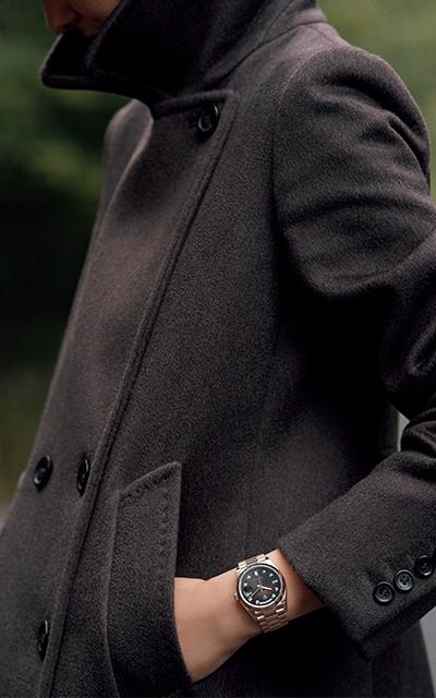 エバーローズゴールドのケースにブラウンダイヤルを組み合わせたロレックスのウォッチ