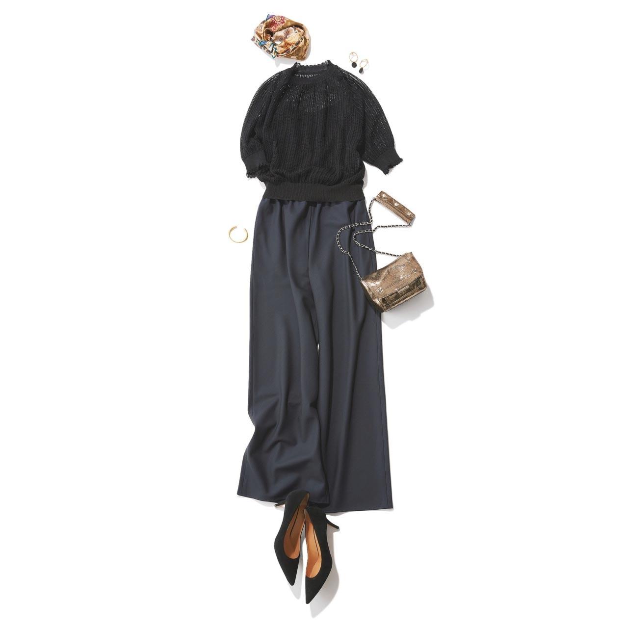 レース編みの半袖ニット×グレーのワイドパンツコーデ
