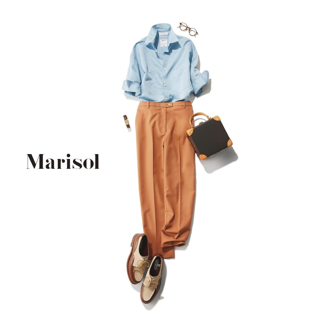 40代ファッション サックスブルーシャツ×テラコッタパンツコーデ