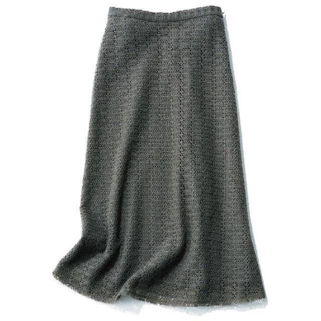 こまやかな透かし編みがコーディネートのアクセントに