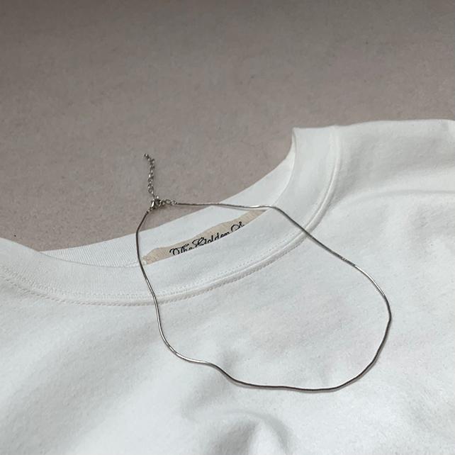 定番「白Tシャツ」の着こなしを更新! アラフォーがこなれて見えるコーデ術まとめ 40代ファッション_1_8