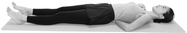 寝姿勢で骨盤の前傾・後傾を確認