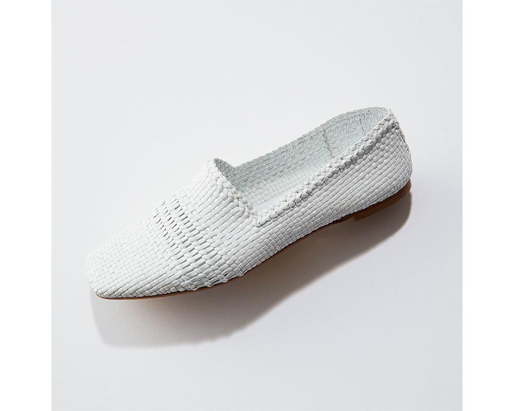 この春の靴は「白・シルバー・ベージュ系」がとにかく使える!_1_1-6