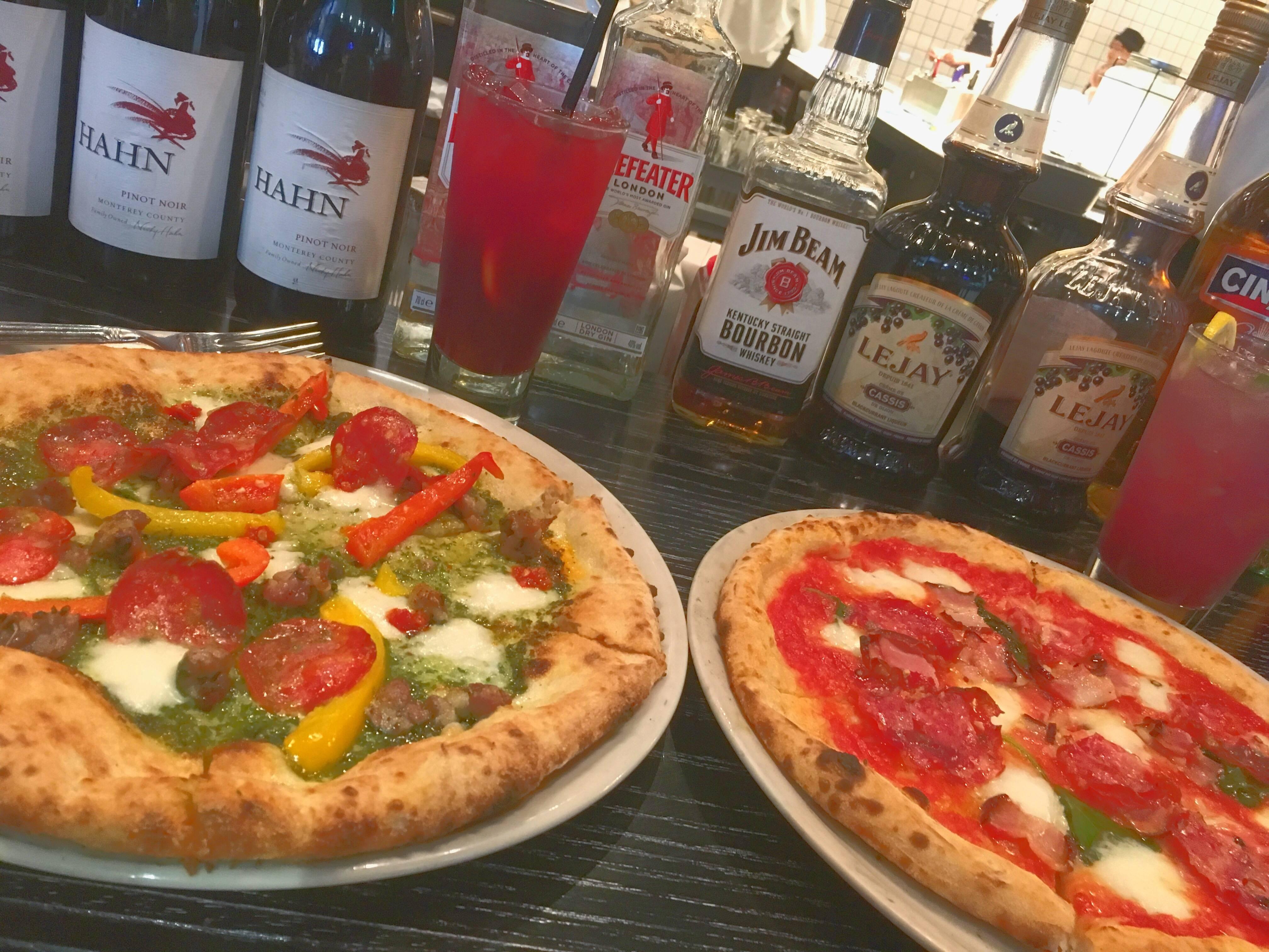 自分好みのピザが楽しめる!新宿の【800° DEGREES】_1_2