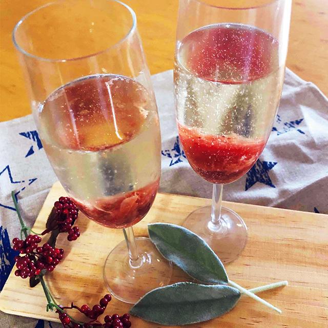 いちごシロップ×スパークリング ワイン。