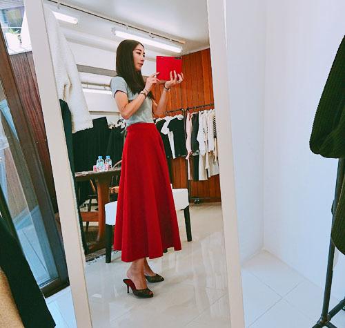 マリソル誌面掲載の大人気スカート、秋冬バージョンは真紅!_1_1