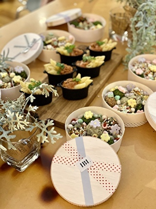 テーブルでご一緒だった皆様の味噌玉を集めて記念写真