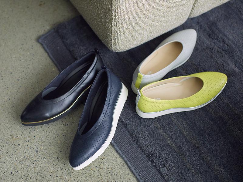 ●靴(3cm)各¥28,600/アシックスジャパン(ペダラ)