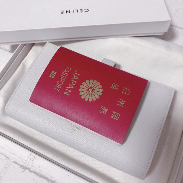CELINEホワイト長財布が上品で可愛い_1_3