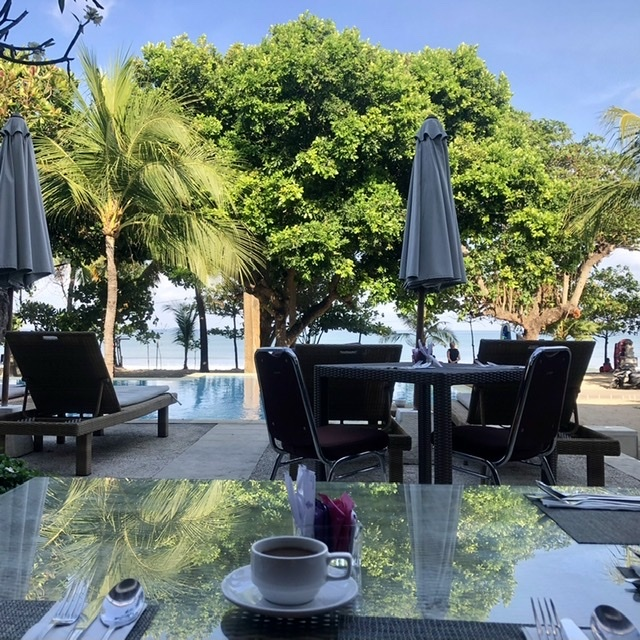 バリのホテル 朝のレストラン