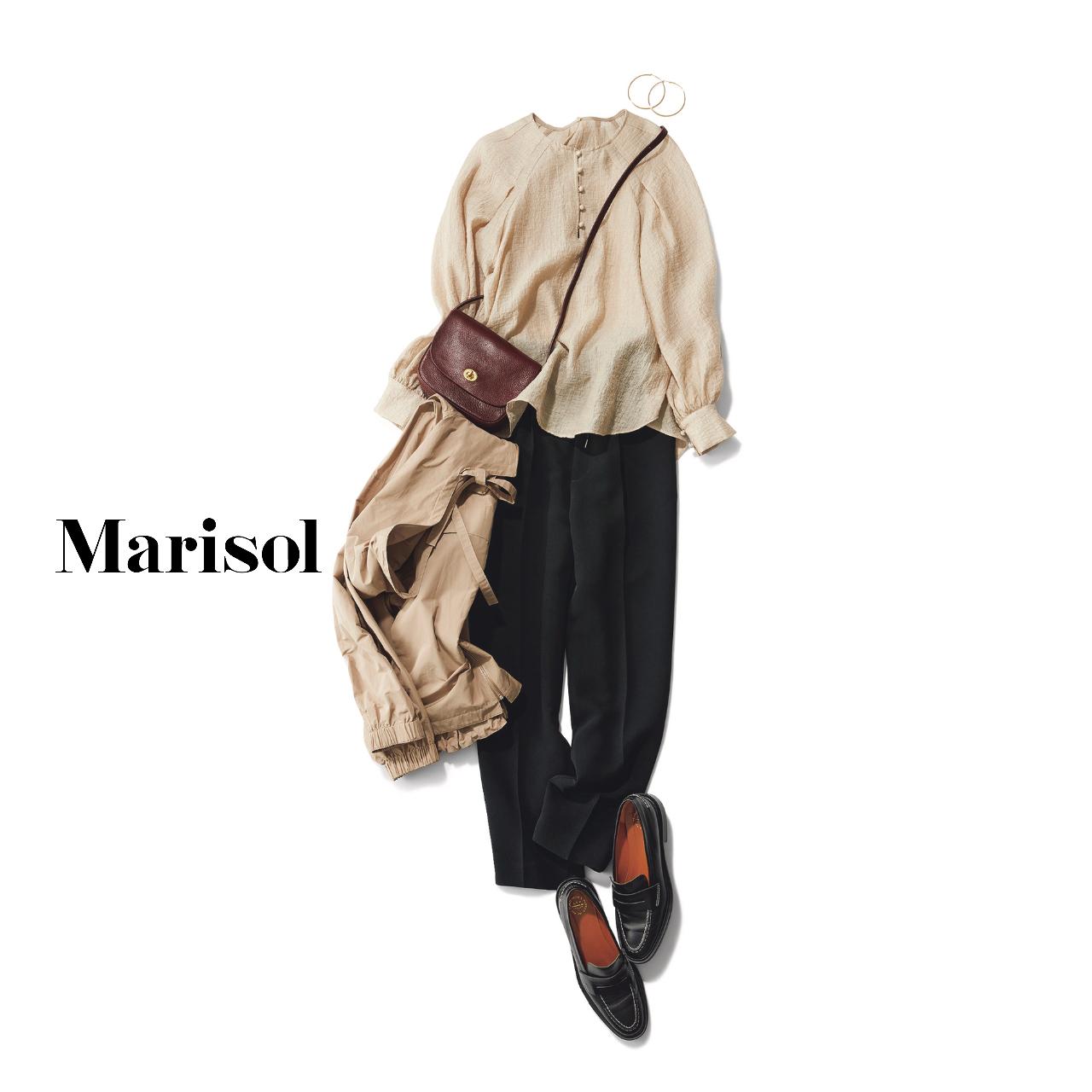 40代ファッション ブラウス×ジャケット×黒パンツコーデ