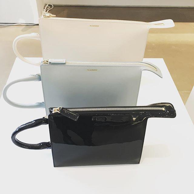 ジル・サンダー「トゥーティー・バッグ」の新色が素敵!_1_1