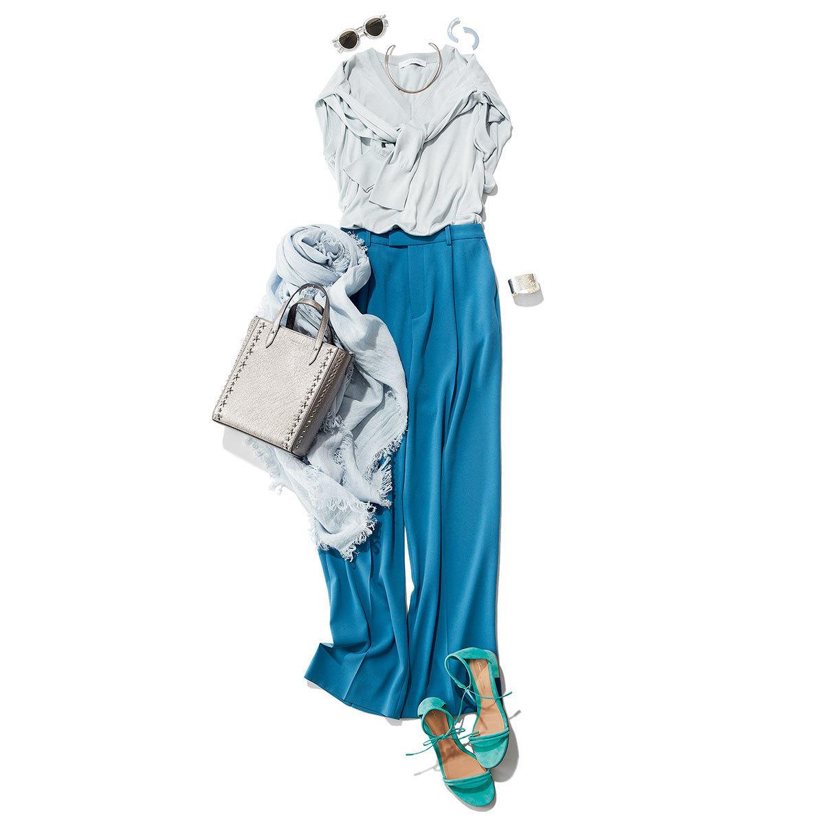 Blue×Blue ブルーの濃淡配色で、パンツスタイルをブラッシュアップ