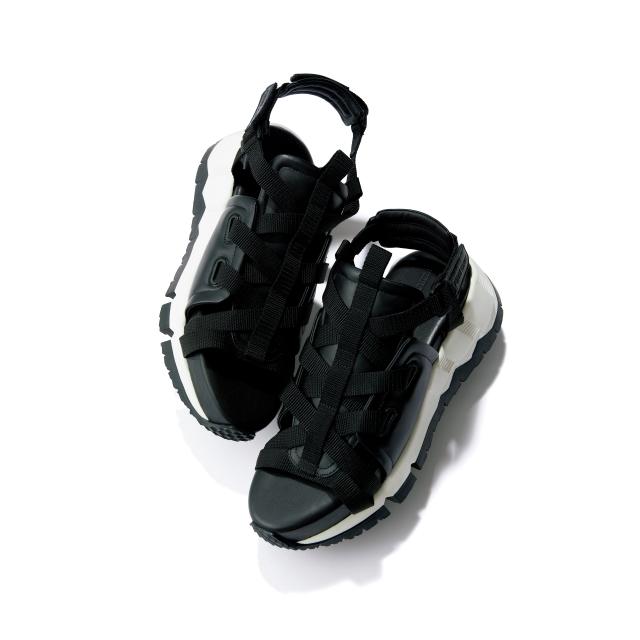 靴(H4)¥81,400/ピエール アルディ 東京(ピエール アルディ)