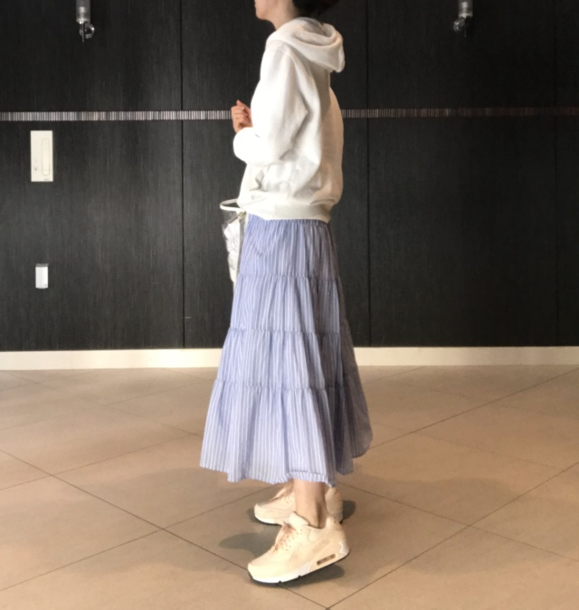 【UNIQLO】大人気メンズスウェット×きれいめスカート_1_3