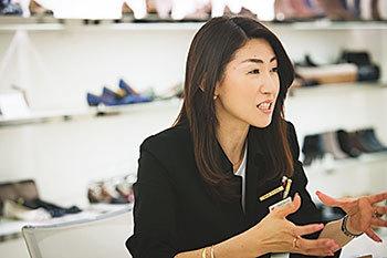 もう、どう選んでいいか分からない!「ヒール靴」選びの正解【40代おしゃれの小悩み】_1_1