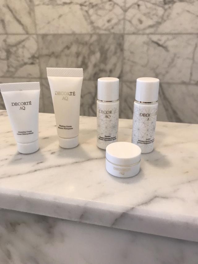 DECORTE AQ の基礎化粧品