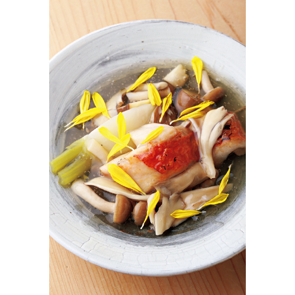京都北大路にある和食レストラン「悠々」の金目鯛のきのこあんかけ