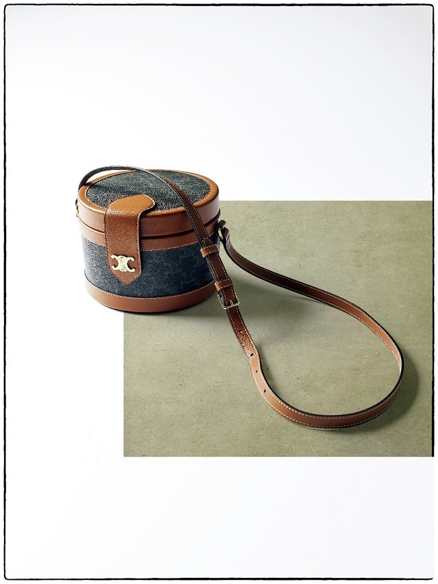 セリーヌのショルダーバッグ「タンブール」