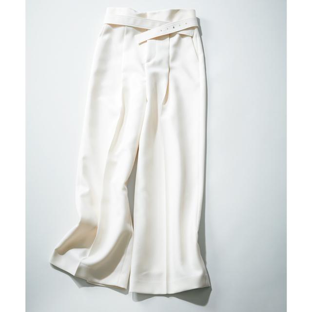 パンツ(ベルトつき)¥31,900/アナイ