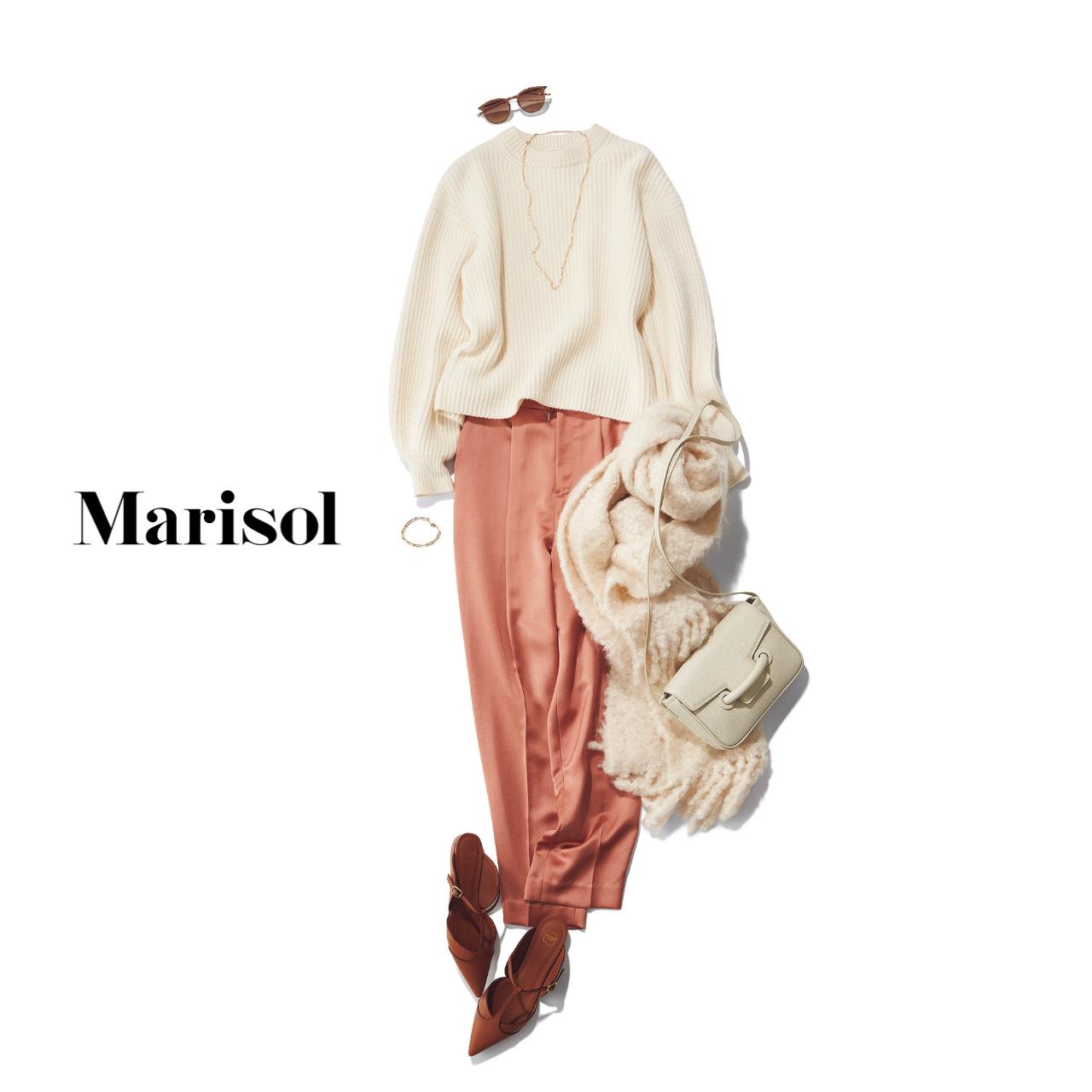 40代ファッション 白ニット×ピンクパンツ×サンダル×ストールコーデ