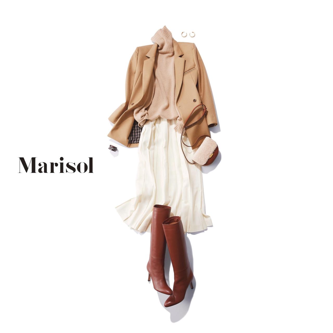 40代ファッション ベージュジャケット×ベージュニット×白スカート×ブラウンブーツコーデ