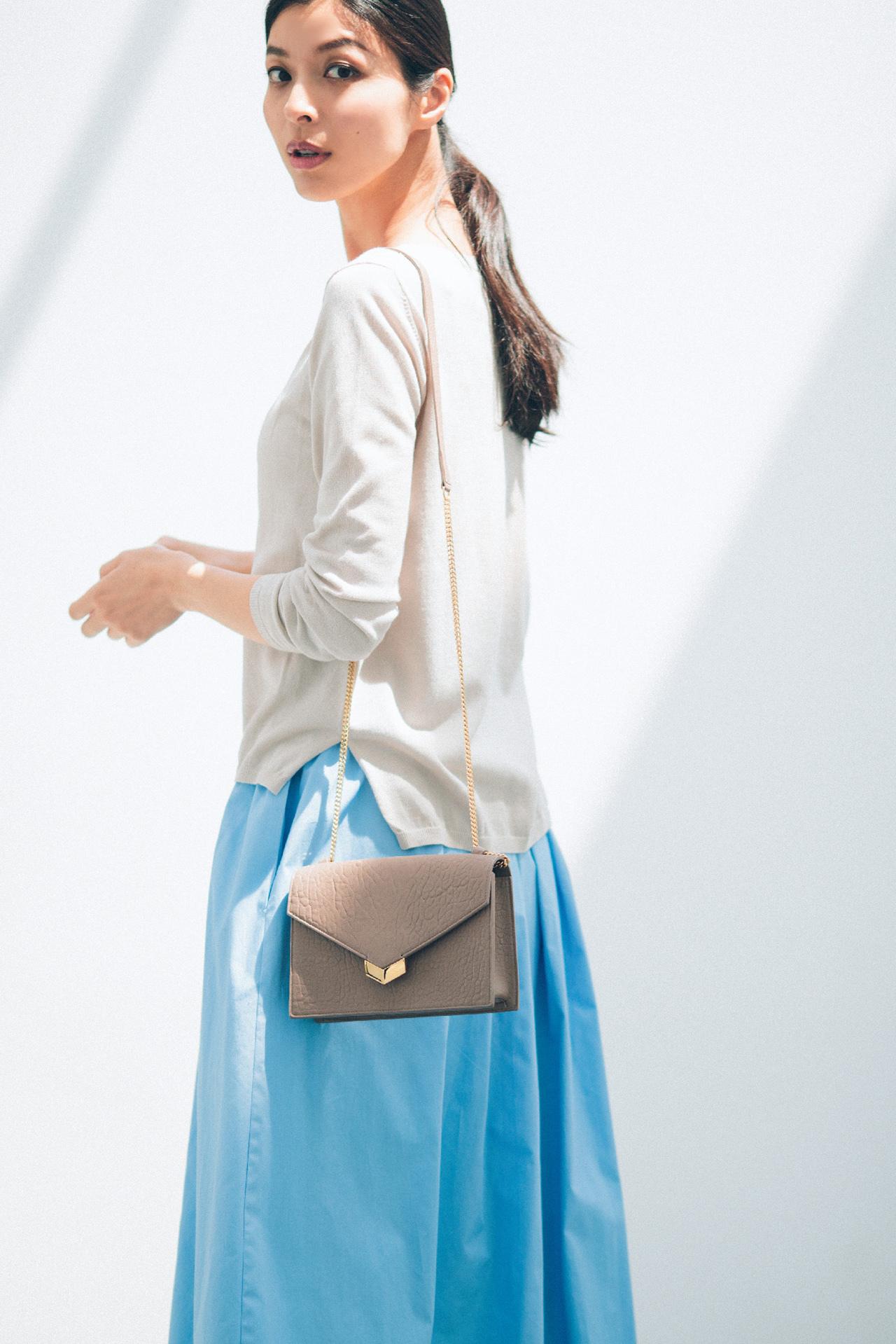ブルーのスカートは、涼やかな美人感で360度好感度! 五選_1_1-1