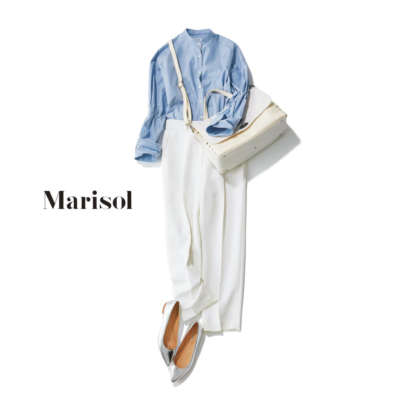 サックスシャツ×白パンツコーデ