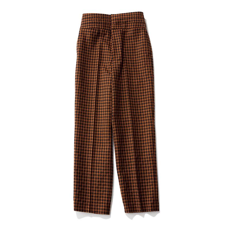 秋ファッションのトレンドはチェック柄パンツ