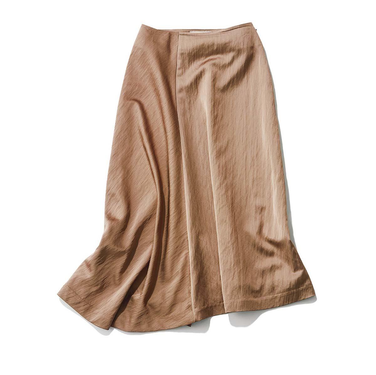 アシンメトリーのサテンスカート