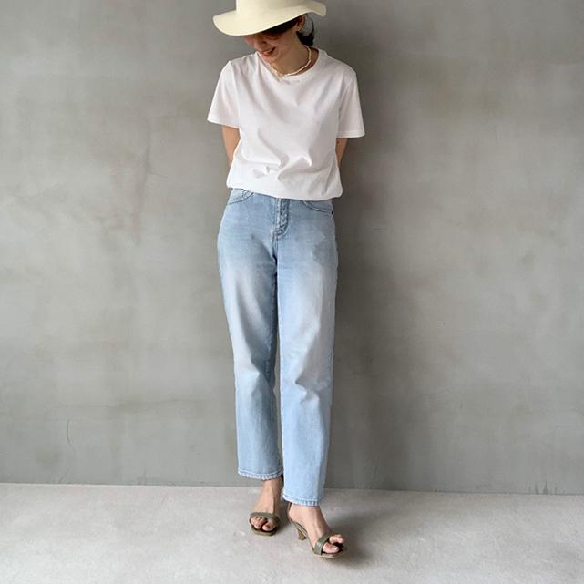 定番「白Tシャツ」の着こなしを更新! アラフォーがこなれて見えるコーデ術まとめ 40代ファッション_1_11