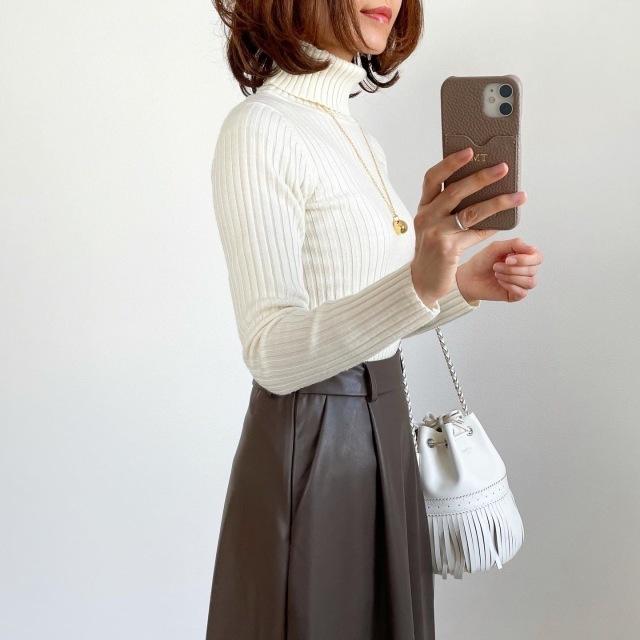 【エコレザー】のスカート&パンツで、冬コーデの鮮度がアップ! 40代ファッションまとめ_1_30