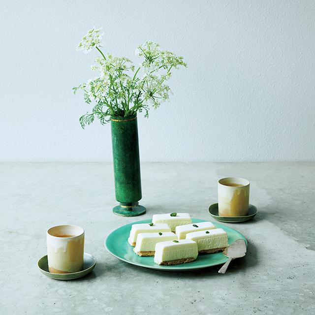 白い花×「しろたえ」レアチーズケーキ
