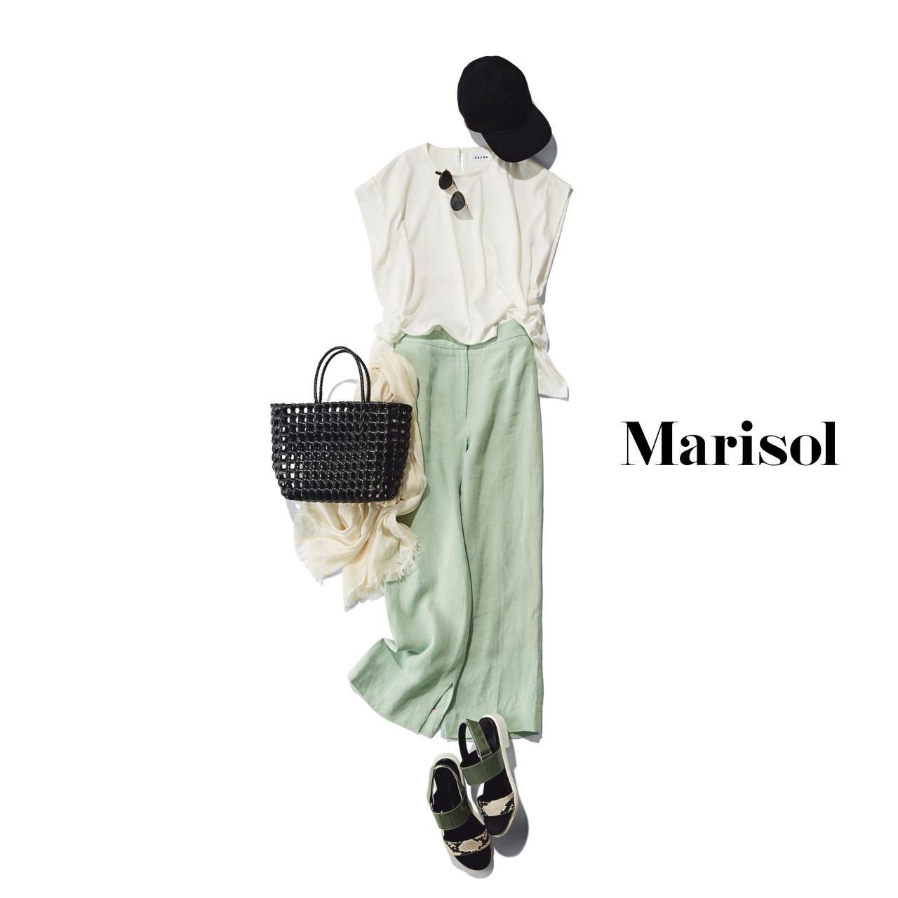 40代ファッション Tシャツ×セージグリーンパンツコーデ