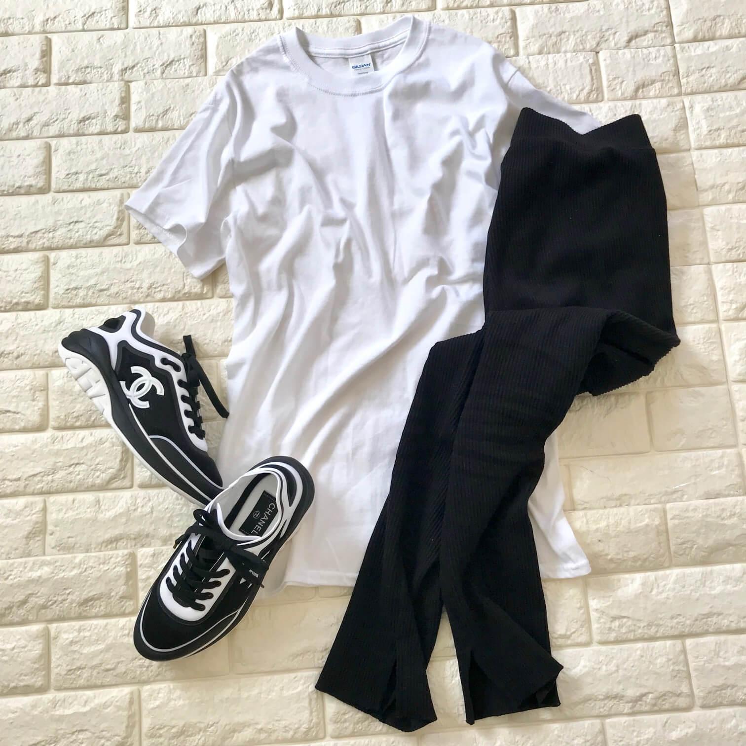 サンキューマートのTシャツコーデ画像