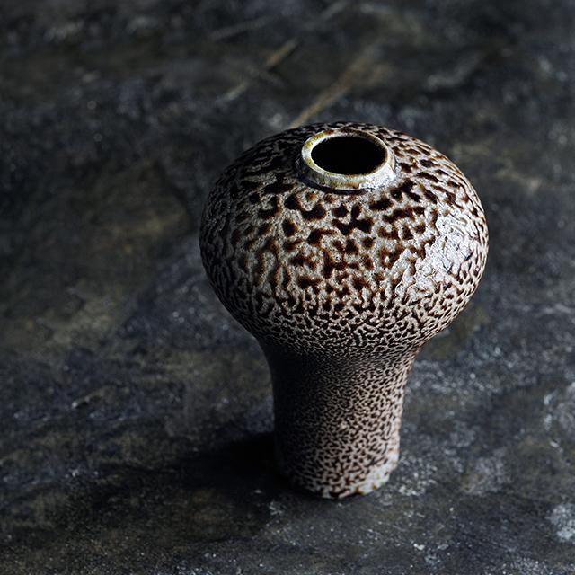 益子で作陶する「伊藤丈浩」は、スリップウエアの食器などでも注目される作家